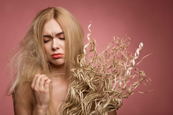 Herstel droog en beschadigd haar met de beste haarproducten